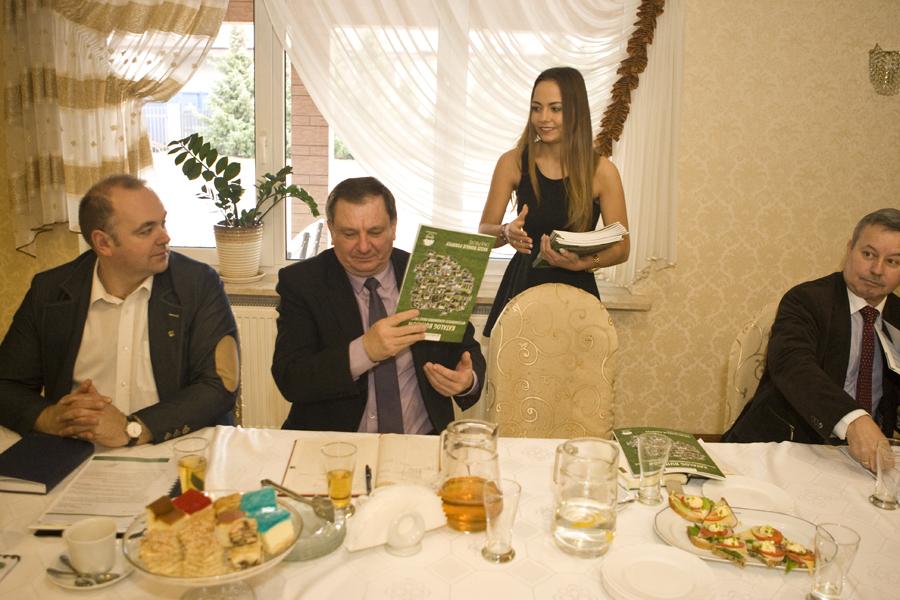 Pan Roman Czechowicz przedstawia historię i osiągnięcia Międzygminnego Koła Hodowców Bydła z siedzibą w Złotnikach Kujawskich