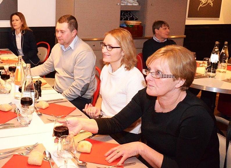 Od prawej: Pani Stefania Maciejewska, Pani Lidia Stranc, Pan Grzegorz Drzystek