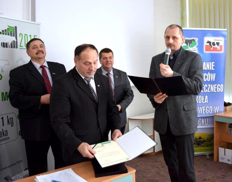 Od lewej: Pan tech. wet Kamil  Winckiewicz  i Pan lek. wet. Jakub Kołdys