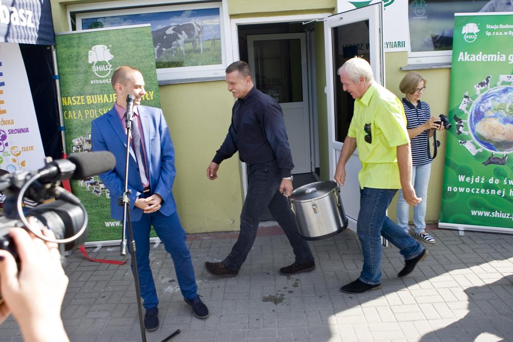 Na gości przybyłych na Dzień Otwarty gabinetu w Lubaszu czekał poczęstunek