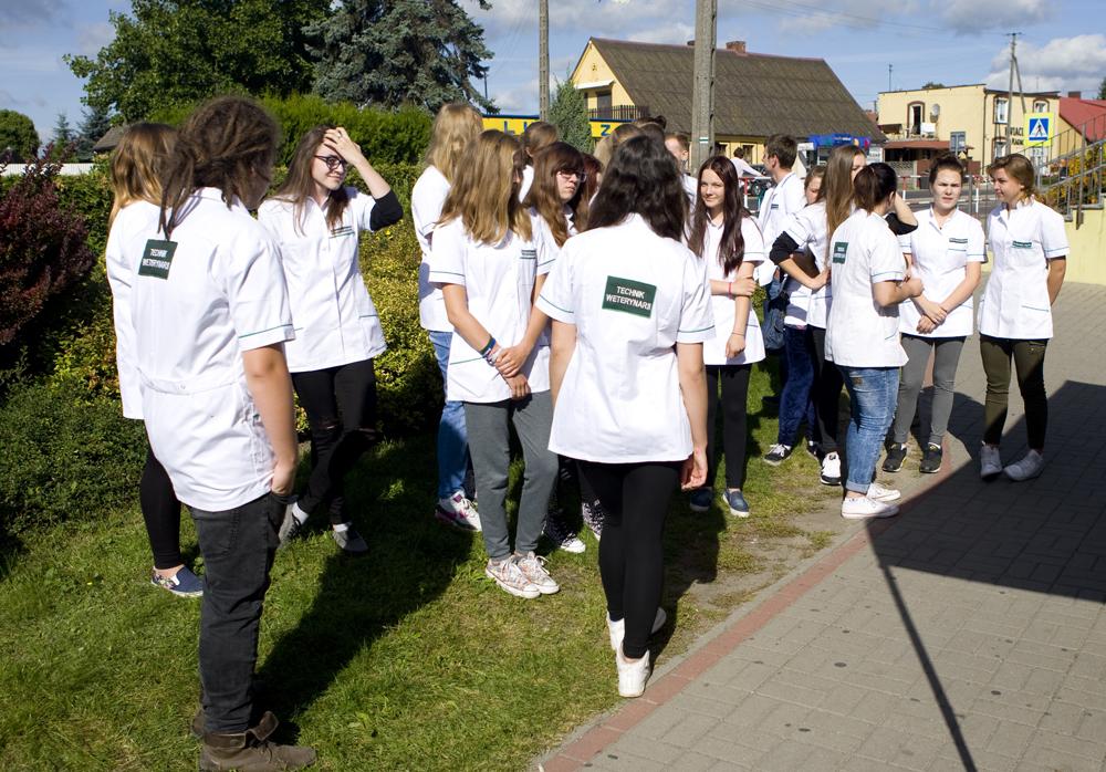 Uczniowie szkoły w Lubaszu na kierunku technik weterynarii