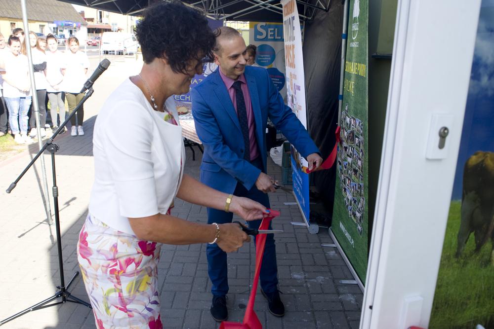 Przecięcie wstęgi i uroczyste otwarcie nowego Gabinetu SHiUZ Bydgoszcz w Lubaszu