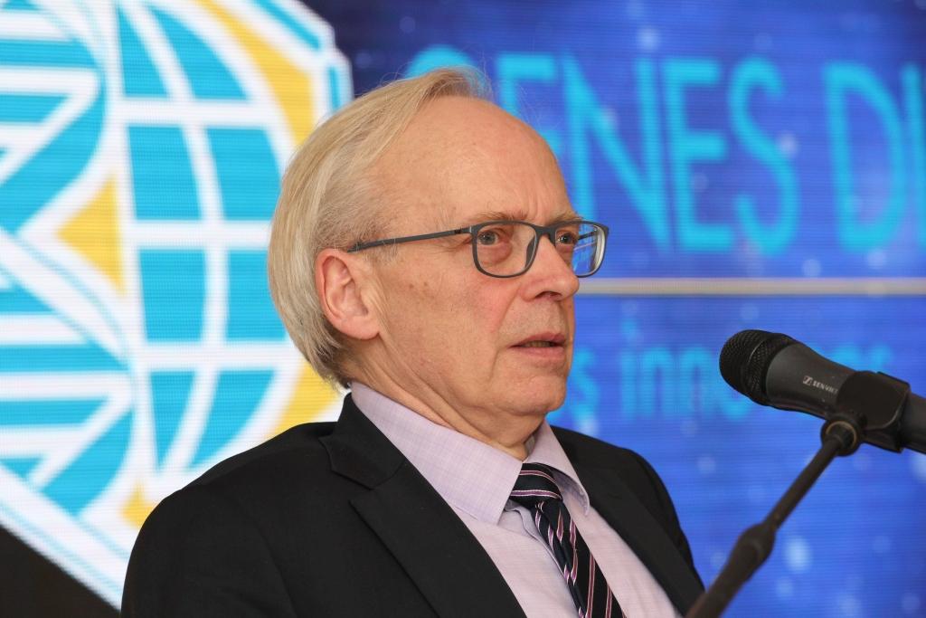 Pan Francois Desmons, dyrektor generalny Genes Diffusion