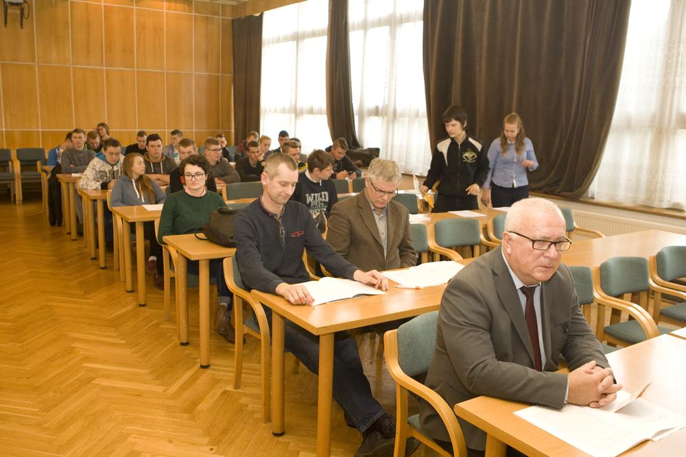 Grzegorz Wojtkielewicz prezentuje aktualne osiągnięcia hodowlane oraz plany inwestycyjne i rozwojowe SHiUZ w Bydgoszczy