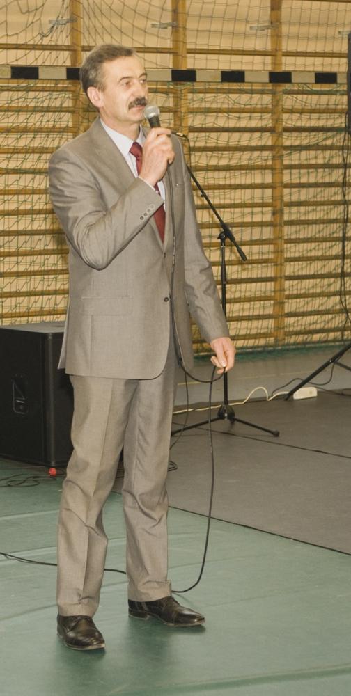 Wiesław Drewnowski, prezes SHiUZ Bydgoszcz, dziękuje Podlaskiemu Związkowi Hodowców i Producentów Mleka, za cały rok owocnej współpracy na rzecz rozwoju hodowli bydła w Polsce