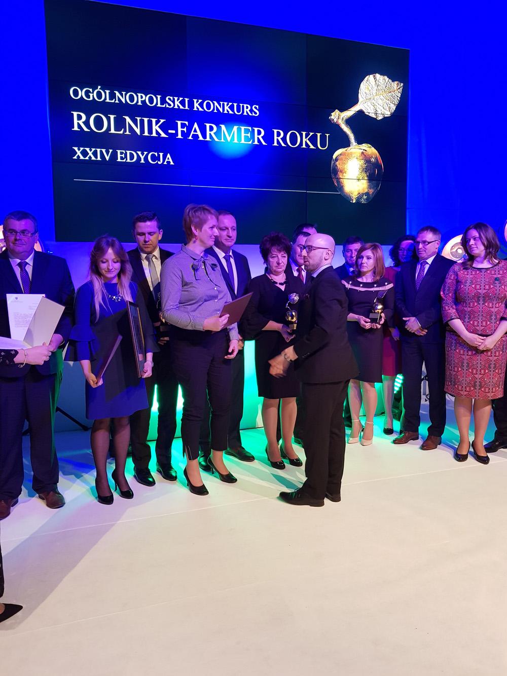 Wręczanie nagród przez Krzysztofa Łapińskiego, sekretarza stanu w Kancelarii Prezydenta RP