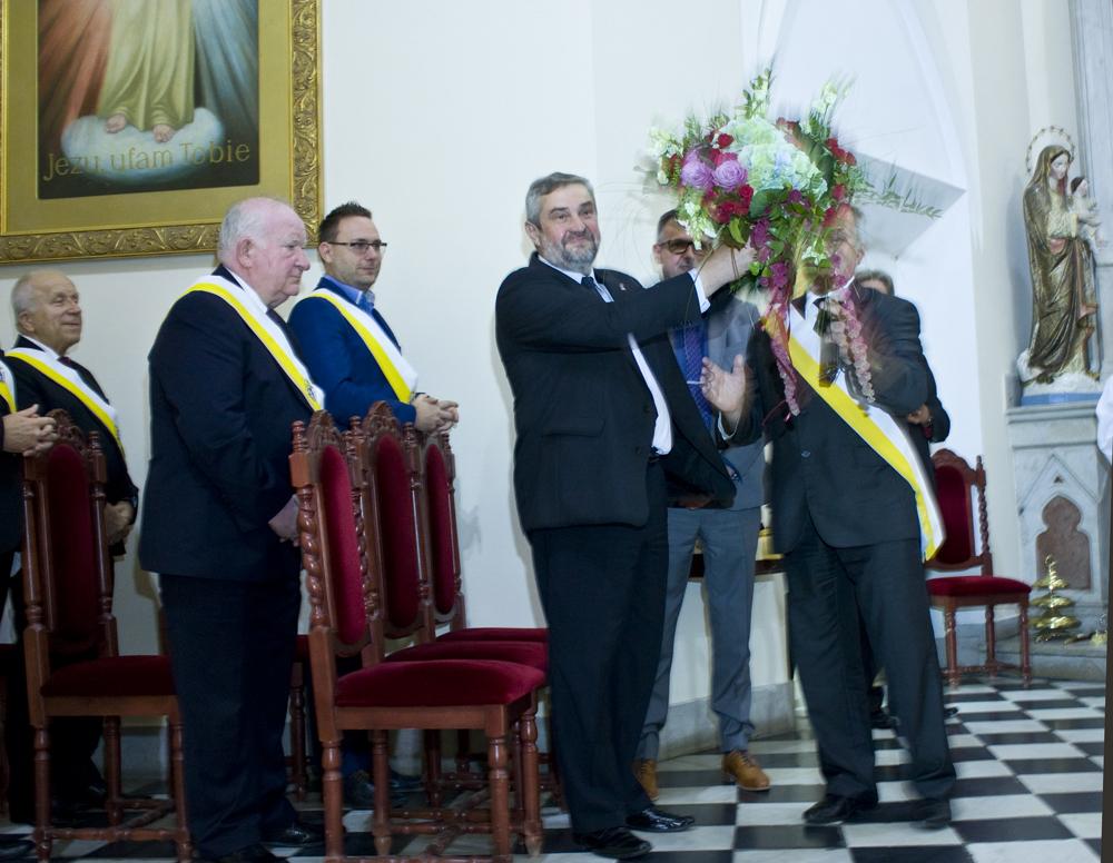 Uroczyście powitany na mszy św. dożynkowej Jan Krzysztof Ardanowski, minister rolnictwa