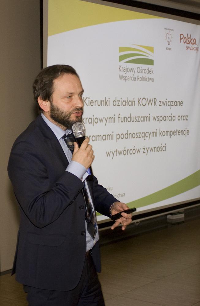 Paweł Kocon, dyrektor Departamentu Rozwoju Rynku KOWR, przybliża główne kierunki działań Krajowego Ośrodka Wsparcia Rolnictwa mających na celu wsparcie polskich producentów żywności