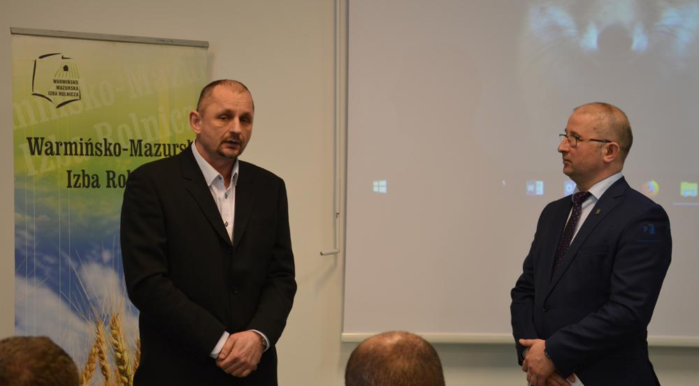 Od lewej: Grzegorz Wojtkielewicz, dyrektor ds. doradztwa i szkoleń SHiUZ Bydgoszcz O. w Olecku, Robert Nowacki, dyrektor WMODR Oddział w Olecku