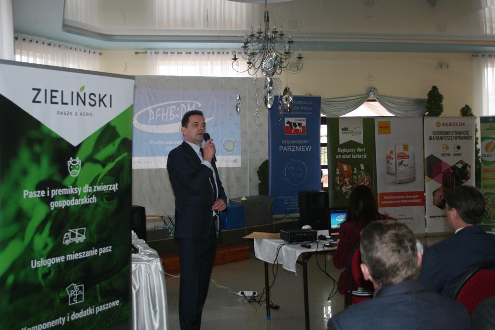 Adam Kamiński, dyrektor PFHBiPM Region Oceny Parzniew,  przedstawia wyniki oceny za rok 2018