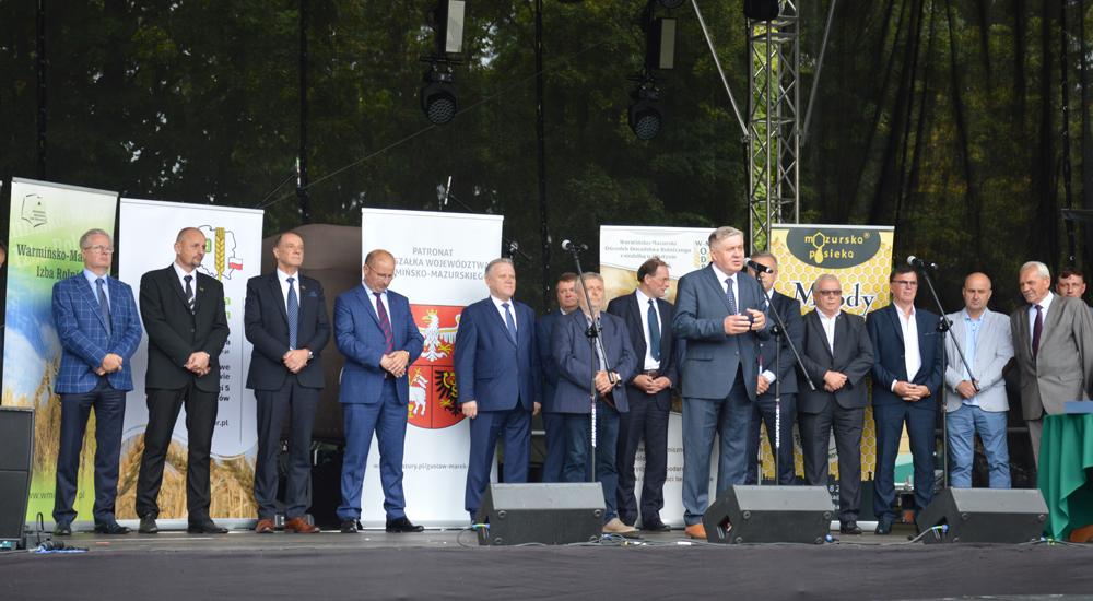 Uroczyste otwarcie V Oleckiego Święta Mleka i Miodu. Głos zabiera Krzysztof Jurgiel, poseł PE