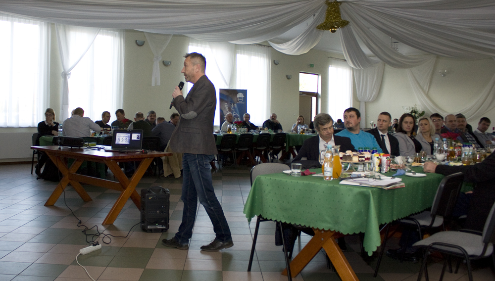 Prezentację przedstawia Edward Prokopczyk, specjalista ds. hodowli SHiUZ Bydgoszcz